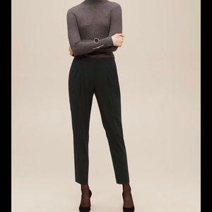 Aritzia Babaton Cohen Dress Pants size 8